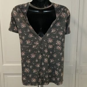 Forever 21 Plus Gray Floral Print Tee Size 2XL